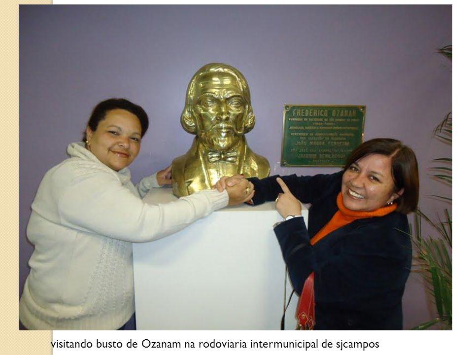 visitando busto de Ozanam na rodoviaria intermunicipal de sjcampos