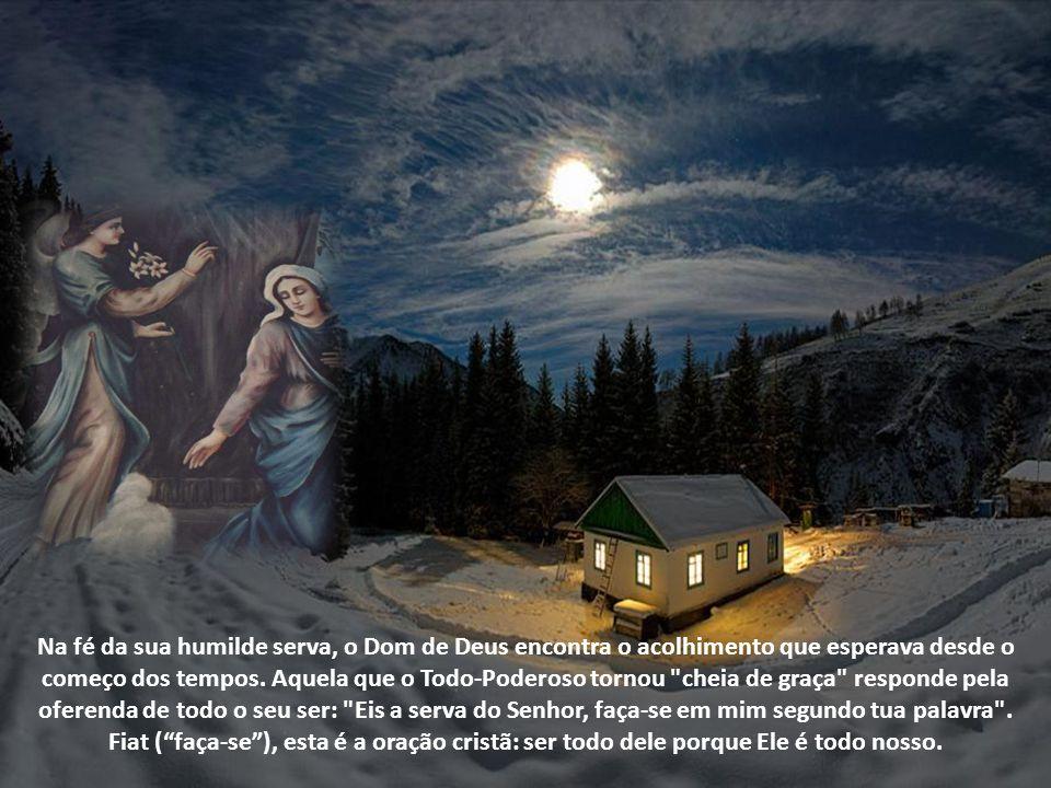A oração de Maria nos é revelada na aurora da plenitude dos tempos. Antes da Encarnação do Filho de Deus e antes da efusão do Espírito Santo, a sua or