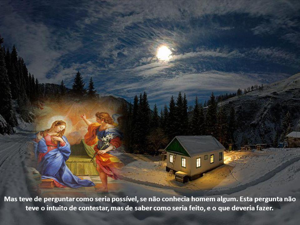 Assim, o Pai Criador dependeu do consentimento de uma frágil criatura humana para realizar o Mistério para a nossa Redenção. A Virgem Maria disse sim,
