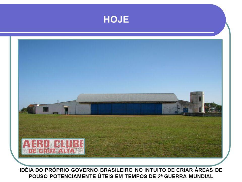 COM A DESTRUIÇÃO DO HANGAR DO AEROCLUBE EM 1947, O AEROPORTO FOI TRANSFERIDO PARA BENJAMIN NOTT, SENDO DENOMINADO CARLOS RUHL AEROPORTO CARLOS RUHL O primeiro voo da linha Porto Alegre- Cruz Alta aconteceu no dia 20/10/1932, no Aeroporto de Cruz Alta, que na época funcionava junto ao Aeroclube, numa casa de madeira de 2 andares 1956 Aeroporto Carlos Ruhl 1956