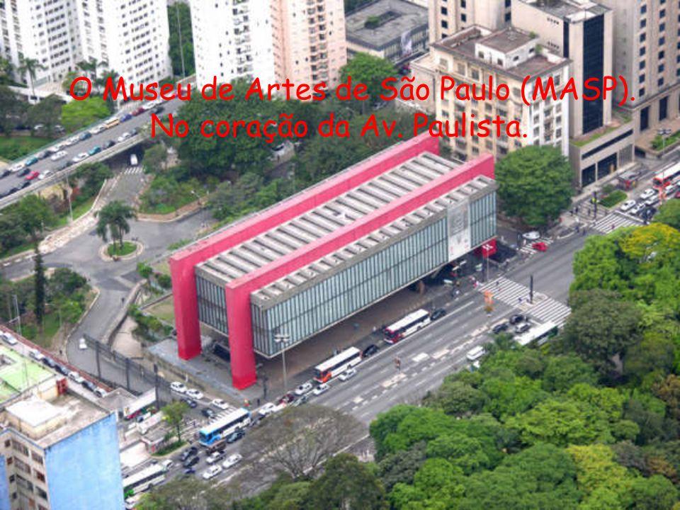 O Museu de Artes de São Paulo (MASP). No coração da Av. Paulista.