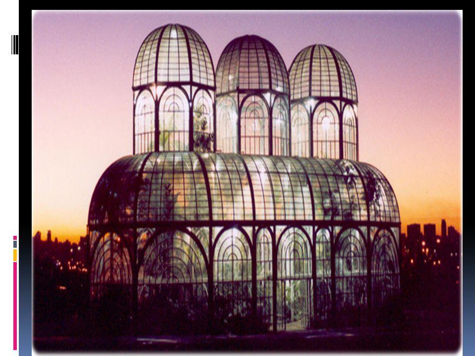 O séc. XX continuou a renovação da arquitectura que já se iniciara em meados do século anterior, com a construção e cobertura de grande espaços e a ut