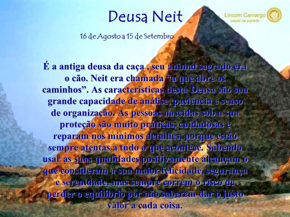 Deus Rá Deus Rá, o sol, é a principal divindade dos egípcios. As características deste Deus são poder, força e criatividade. As pessoas que nasceram s