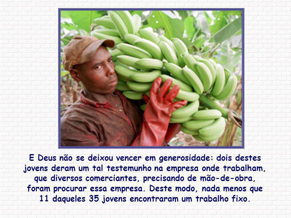 No Congo, um grupo de jovens fabrica há alguns meses, com casca de banana, cartões artísticos que depois são vendidos na Alemanha. Inicialmente eles f