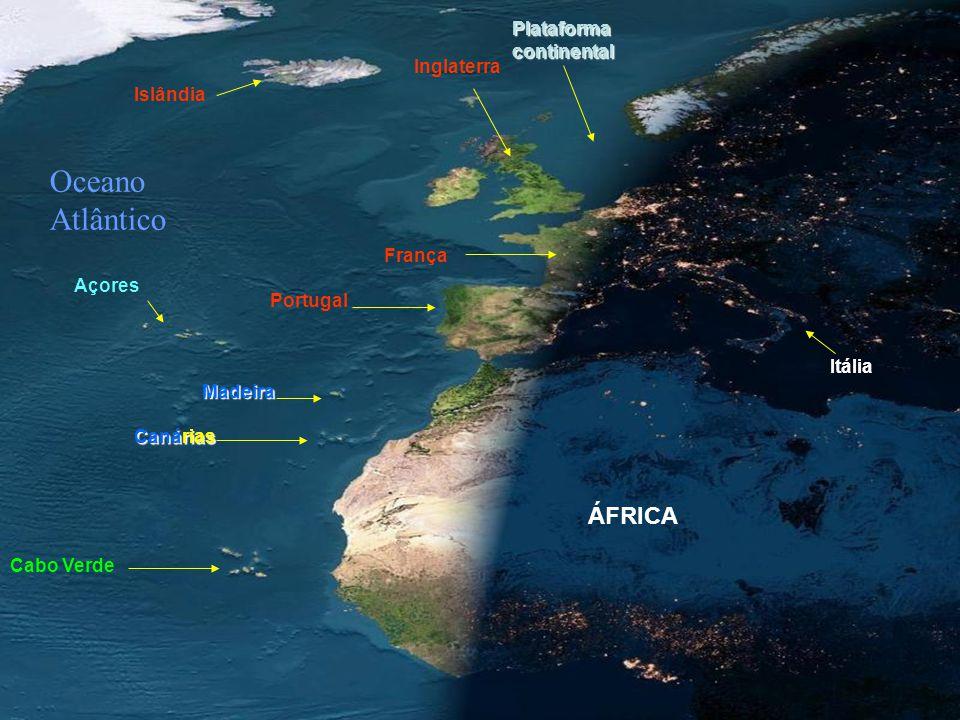 QUE ESPECTÁCULO! Repare bem nesta foto do anoitecer na Europa e África, num dia sem nuvens, tirada de um satélite em órbita. Observe como as luzes já