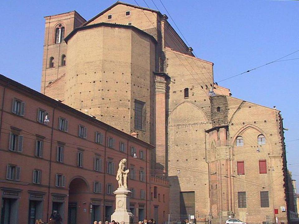 Palácio construído em 1245 e chamado de Rei Enzo, Palácio construído em 1245 e chamado de Rei Enzo, da Sardenha, onde ele ficou aprisionado por 20 anos