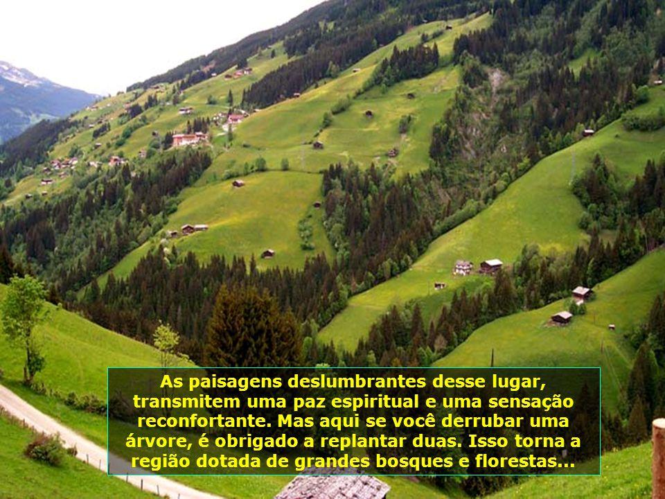 Aqui começa um fascinante passeio pelo Vale do Tirol. Após esse túnel, a paisagem se transforma completamente e dá lugar às imagens do paraíso...
