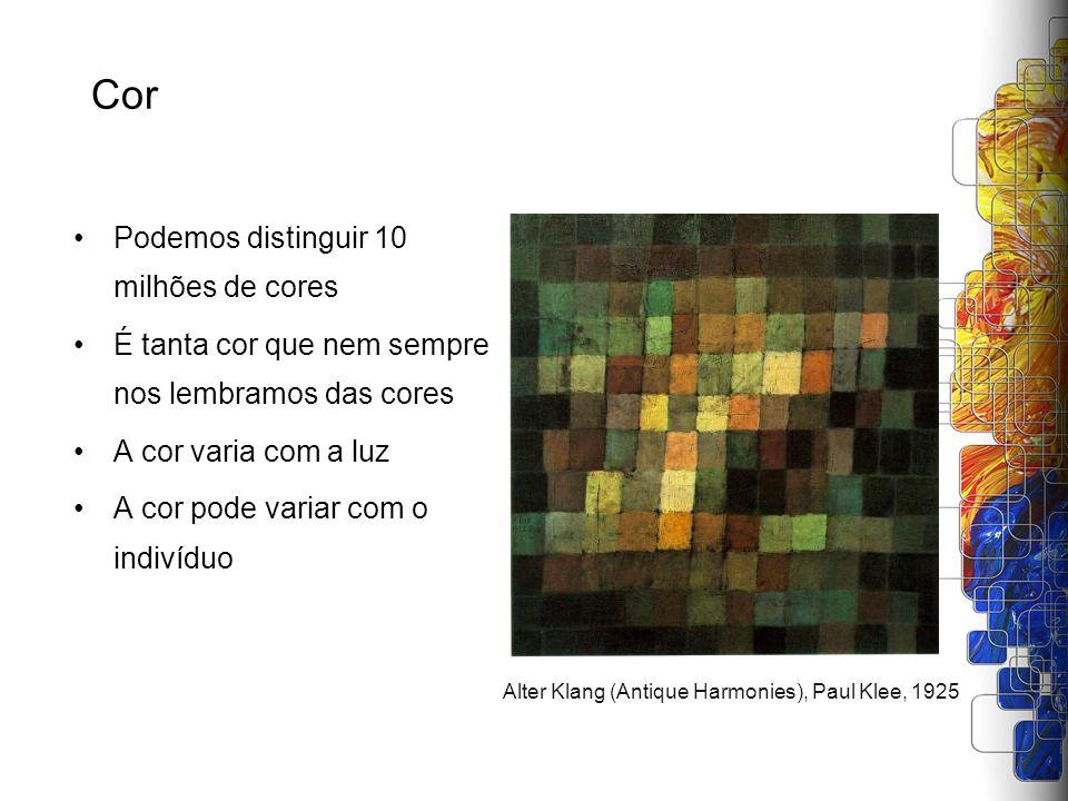 Medindo a diferença de cores O sistema Lab e a sua maior uniformidade das cores também permitiu apurar a medição de diferenças entre cores, visando: –Medir a precisão das cores no processo de captura, tratamento e impressão de imagens –Avaliar aderência a padrões –Registrar a consistência de dispositivos Em 1976, junto com a padronização do Lab, também foi criada a primeira fórmula para diferença de cores –Delta E –Proporcional a distância euclidiana entre duas cores Unidades do Delta-E –Diferenças até 1 Delta-E entre duas cores não adjacentes mal é percebida por uma pessoa com visão normal –Diferenças entre 3 e 4 Delta-E não adjacentes são aceitáveis para a maioria das pessoas com visão normal –Diferenças entre 3 a 6 Delta-E são consideradas aceitáveis na reprodução de cores comercial
