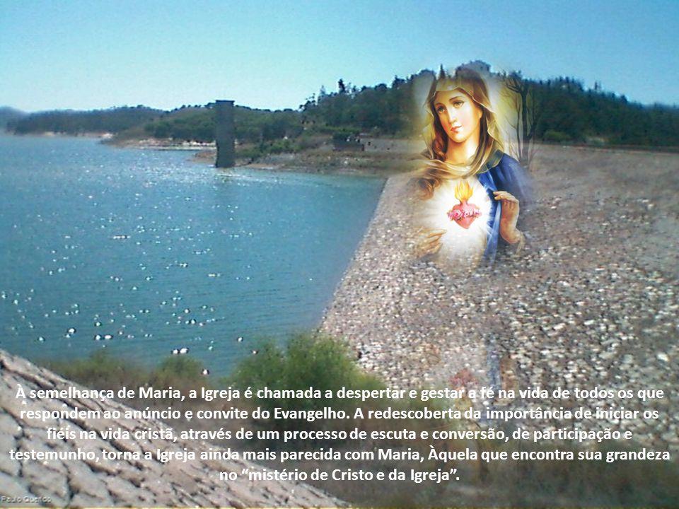 A Palavra de Deus alimenta, e ao mesmo tempo, modela a Igreja, como fez com Maria.