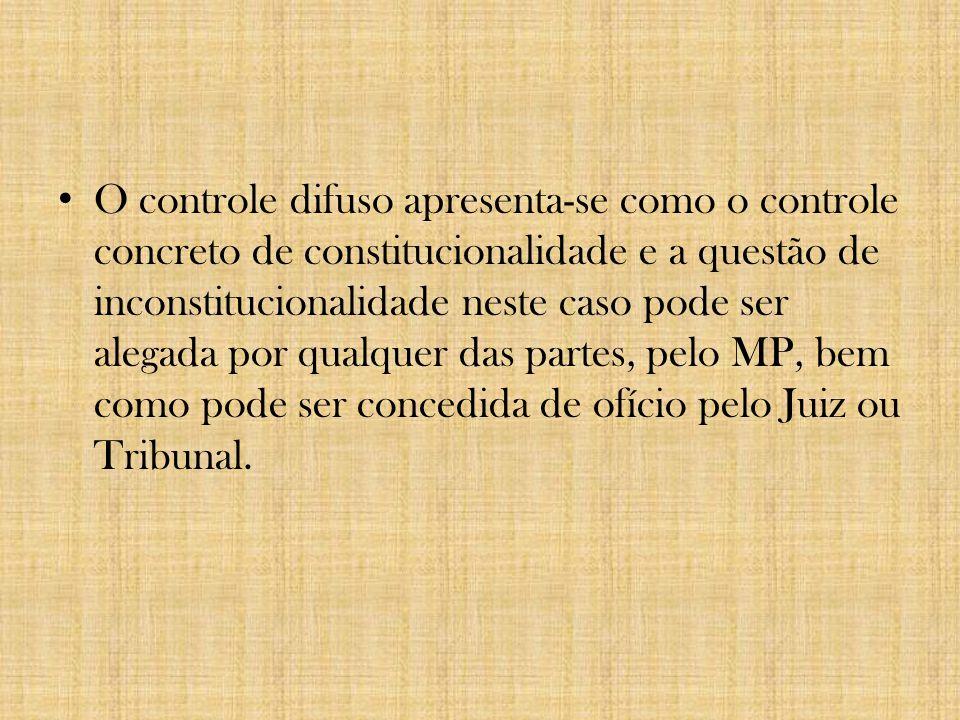 4) Quanto à conduta: -Por ação; -Por omissão.