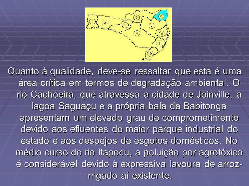 A região é servida por uma ampla rede hidrográfica; destacam-se os rios Iguaçu – principal da região – Canoinhas e Negro. Em termos de qualidade da ág