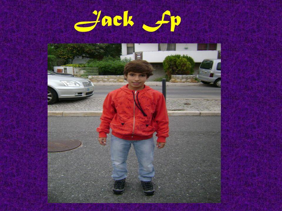 ZombierrapeR ( Alexandre Rosado) tem 13 anos e é o produtor técnico da banda.