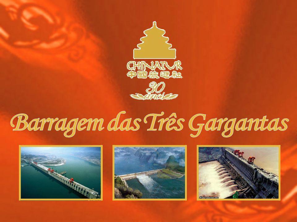 maior do mundo Usina hidrelétrica que está sendo construídano rio Yang-tsé, que será a maior do mundo e poderá gerar 18.200 MW de energia com suas 26 turbinas, com hélices de 10 m de diâmetro e 450 toneladas.