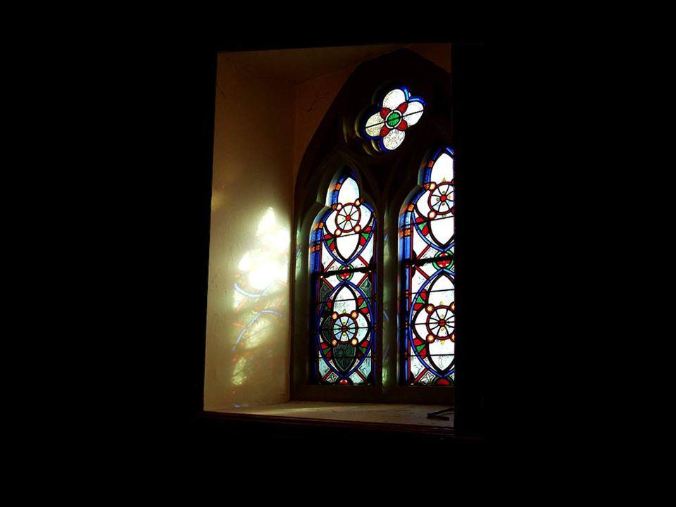 Na verdade, não é por acaso que a parte mais bela de uma Catedral seja suas janelas.