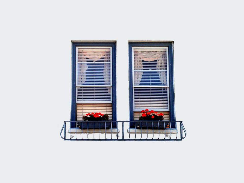 Existem também as janelas alegres que dão um ar de felicidade às paredes onde aparecem...