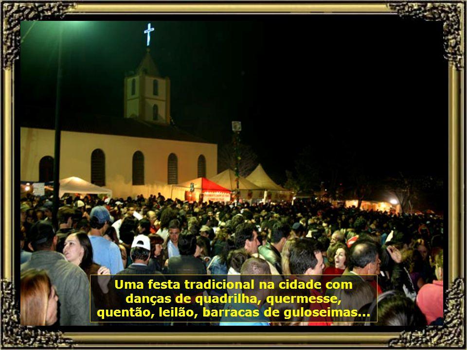 Agora é a vez da Festa de São João, no Distrito de Tupi, que acontece sempre no dia 23 de junho de cada ano, véspera de São João...