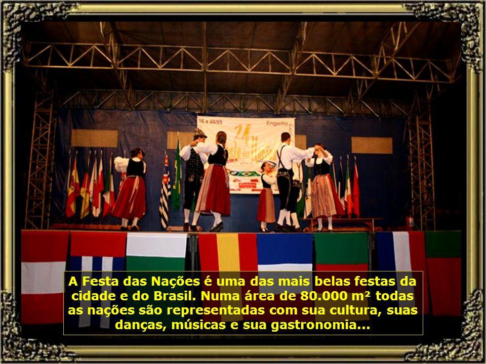 Vamos agora para a Festa das Nações de Piracicaba, que se realiza todo mês de maio nas dependências do Engenho Central...