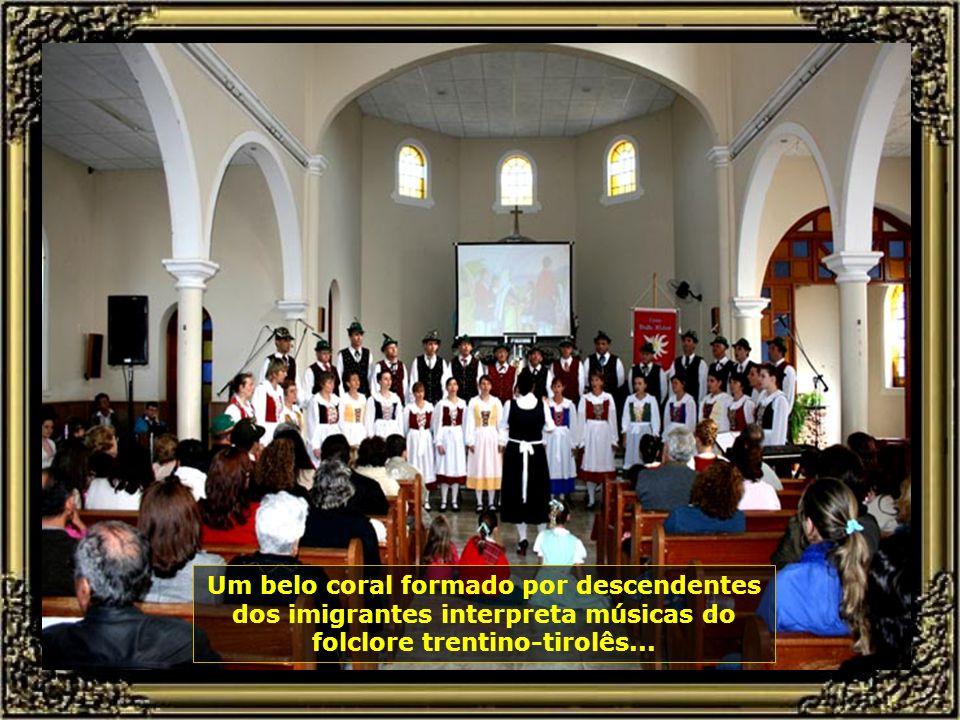 A alegria sempre presente em suas danças e músicas é mostrada aqui na Festa da Polenta do Bairro de Santa Olímpia, em Piracicaba, que acontece todo fi