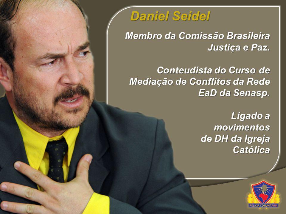 Membro da Comissão Brasileira Justiça e Paz. Conteudista do Curso de Mediação de Conflitos da Rede EaD da Senasp. Ligado a movimentos de DH da Igreja
