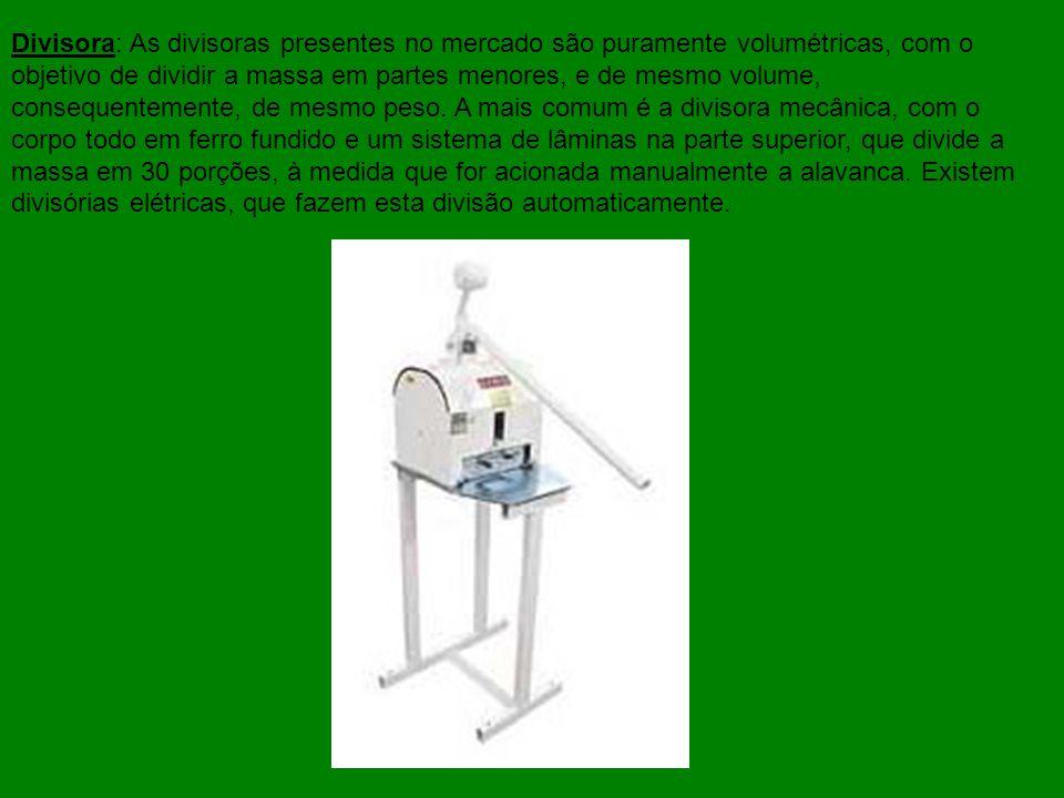 O forno turbo, abrange várias camadas de pães, numa única câmara, e assa por convecção, ou seja, o calor é circulado mecanicamente por uma ou duas ventoinhas (ventiladores), situados ao fundo do forno.