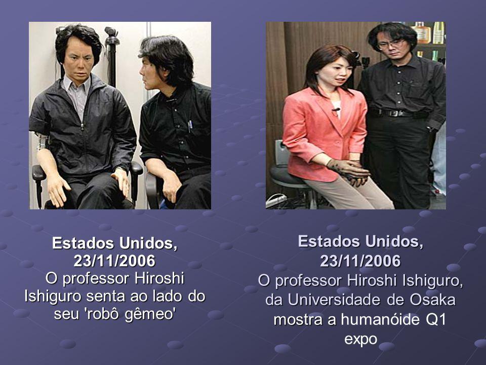 Estados Unidos, 23/11/2006 O professor Hiroshi Ishiguro senta ao lado do seu 'robô gêmeo' Estados Unidos, 23/11/2006 O professor Hiroshi Ishiguro, da