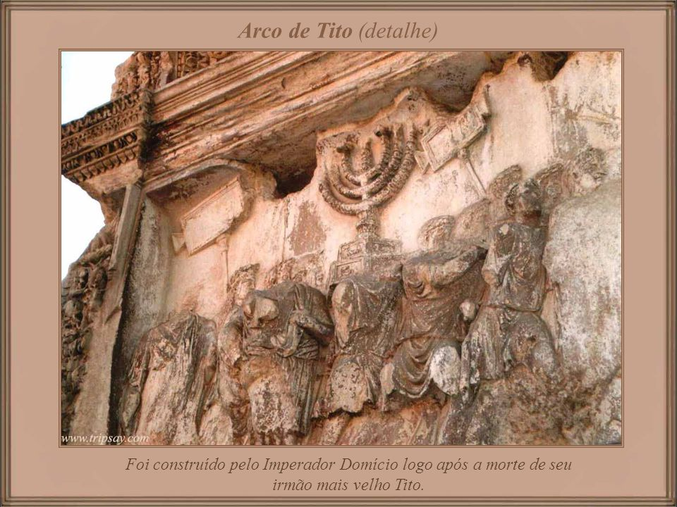 Coliseu Romano com 50.000 assentos, era usado para os combates de gladiadores e espetáculos públicos, assim como exercícios bélicos, caçadas de animai