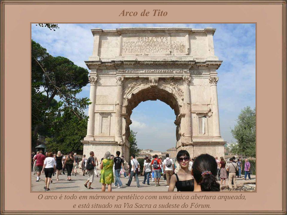 Piazza del Campidoglio Praça projetada por Michelangelo por volta de 1530 para o Papa Paulo III.