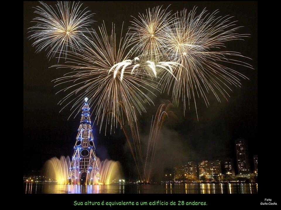 A árvore de Natal da Lagoa 2007 tem 85 m de altura e será um novo record no Guinness.