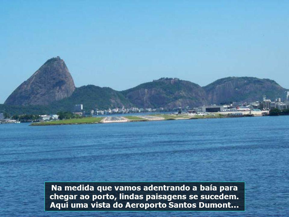 A chegada ao Rio de Janeiro é brindada com um céu de brigadeiro, exaltando as belezas dessa linda cidade brasileira...