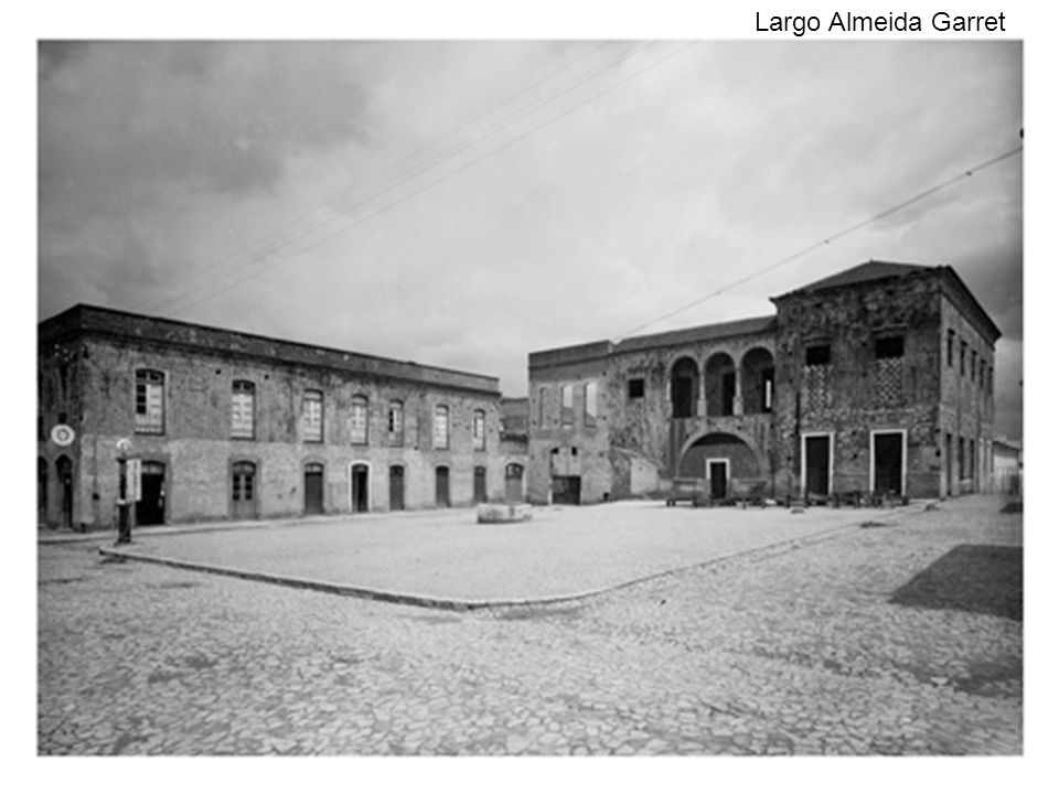 Largo Almeida Garret