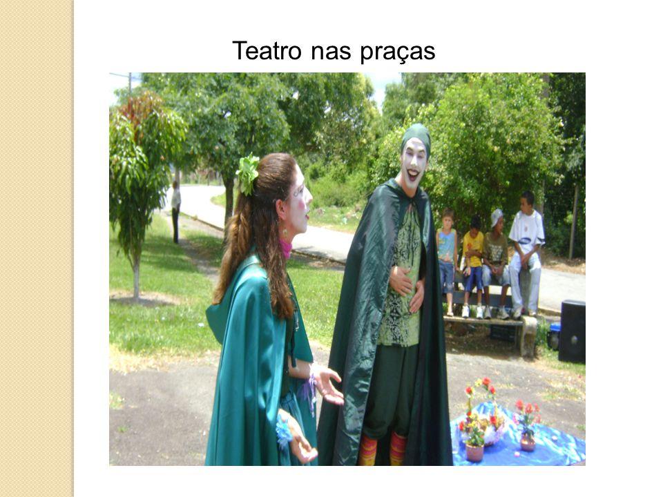 Teatro nas praças