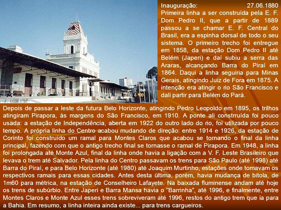 Plataforma da estação de Barbacena, da EFOM, em 1948, já operada pela RMV. Fonte: Http://www.estacoesferroviarias.com.br Plataforma da estação de Barb