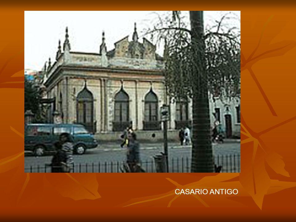 Barbacena possui algumas construções da época colonial, prédios modernos e muito movimento de carros. Seu nome homenageia ao Governador da Província,