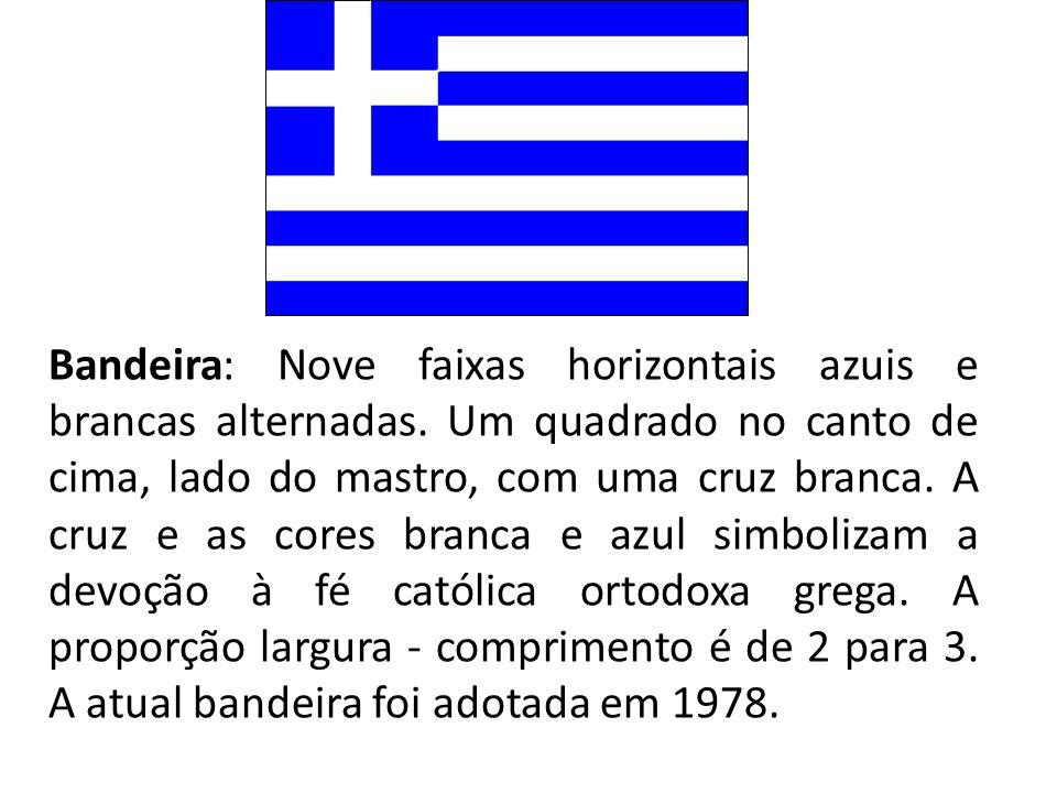 Bandeira: Nove faixas horizontais azuis e brancas alternadas. Um quadrado no canto de cima, lado do mastro, com uma cruz branca. A cruz e as cores bra