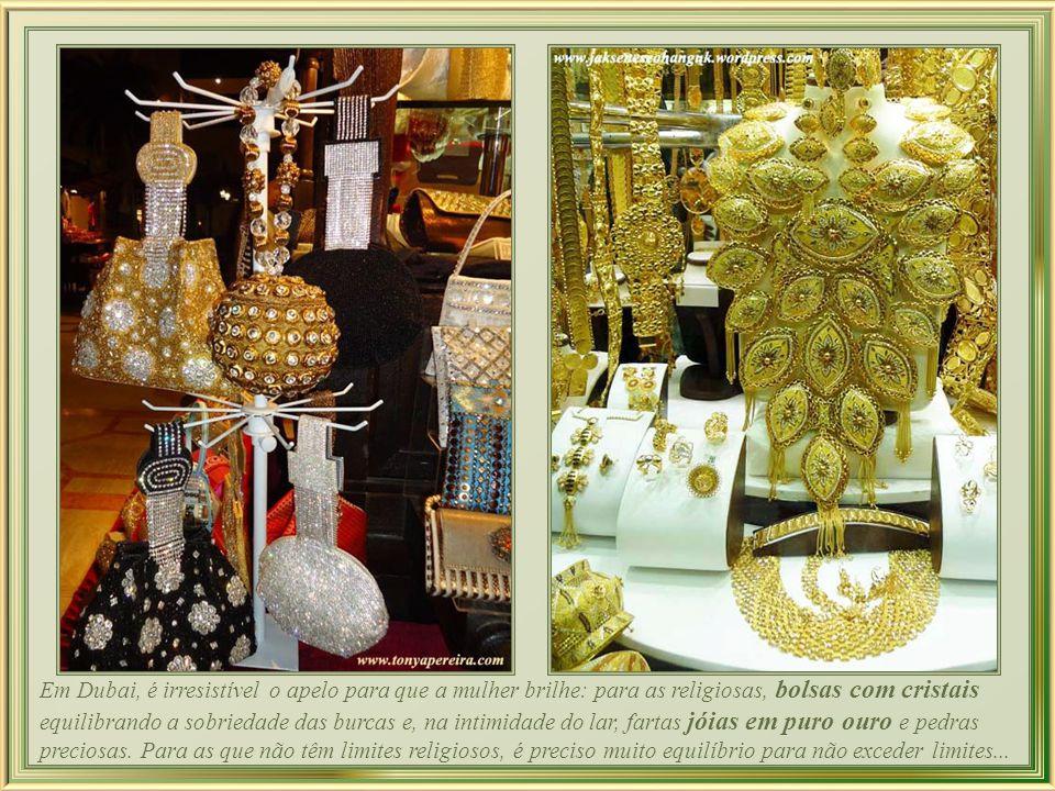 Amal Murad, nativa de Dubai, cria as mais deslumbrantes Abayas.
