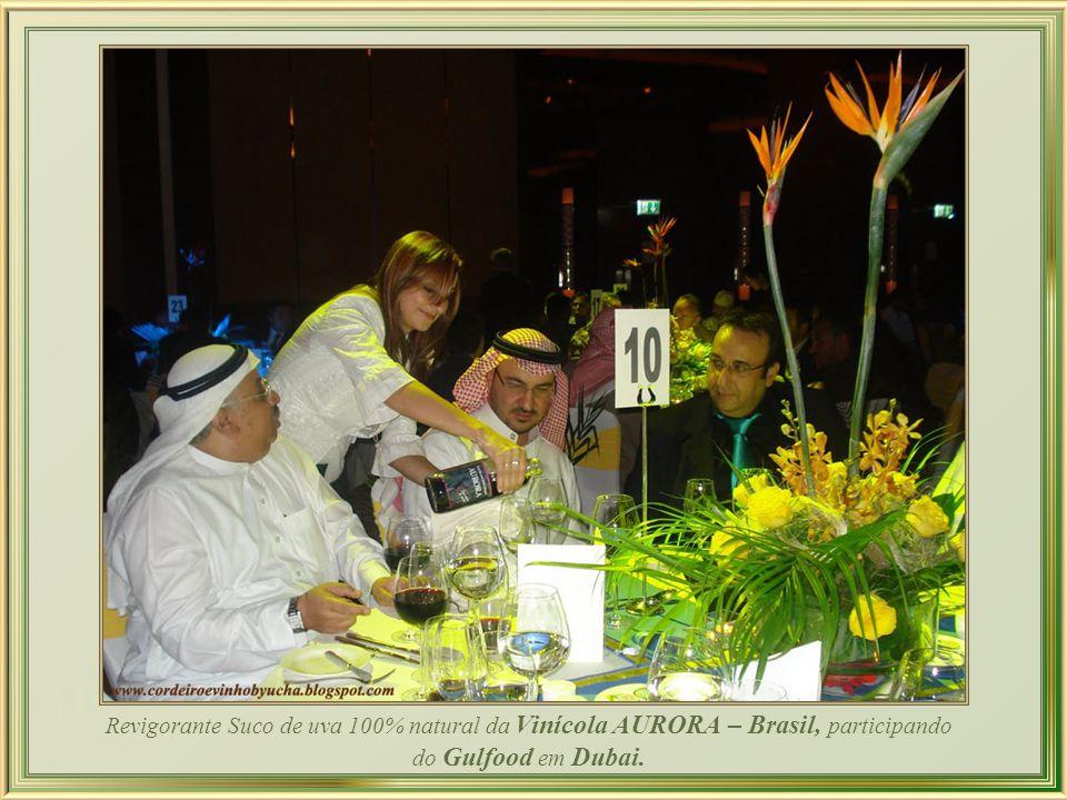 Todavia, as jóias que interessam aos dubaienses afortunados não estão no Souk e sim, por exemplo, na joalheria Christies Dubai, onde este anel de diam