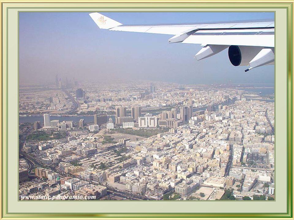E para dizer adeus a Dubai, um pitoresco cruzeiro com jantar - Dhow Dinner – fantástica experiência que engloba turismo, cultura e gastronomia dos EAU