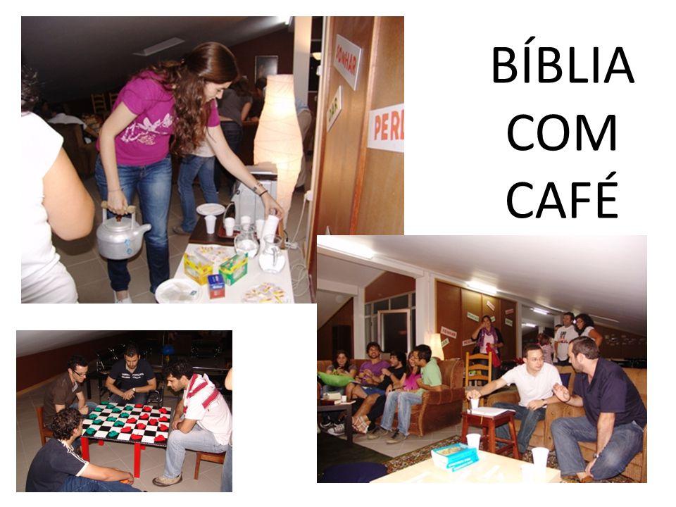 BÍBLIA COM CAFÉ