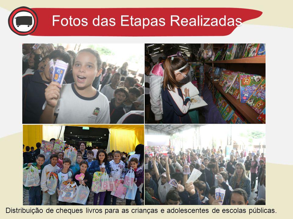 Distribuição de cheques livros para as crianças e adolescentes de escolas públicas.