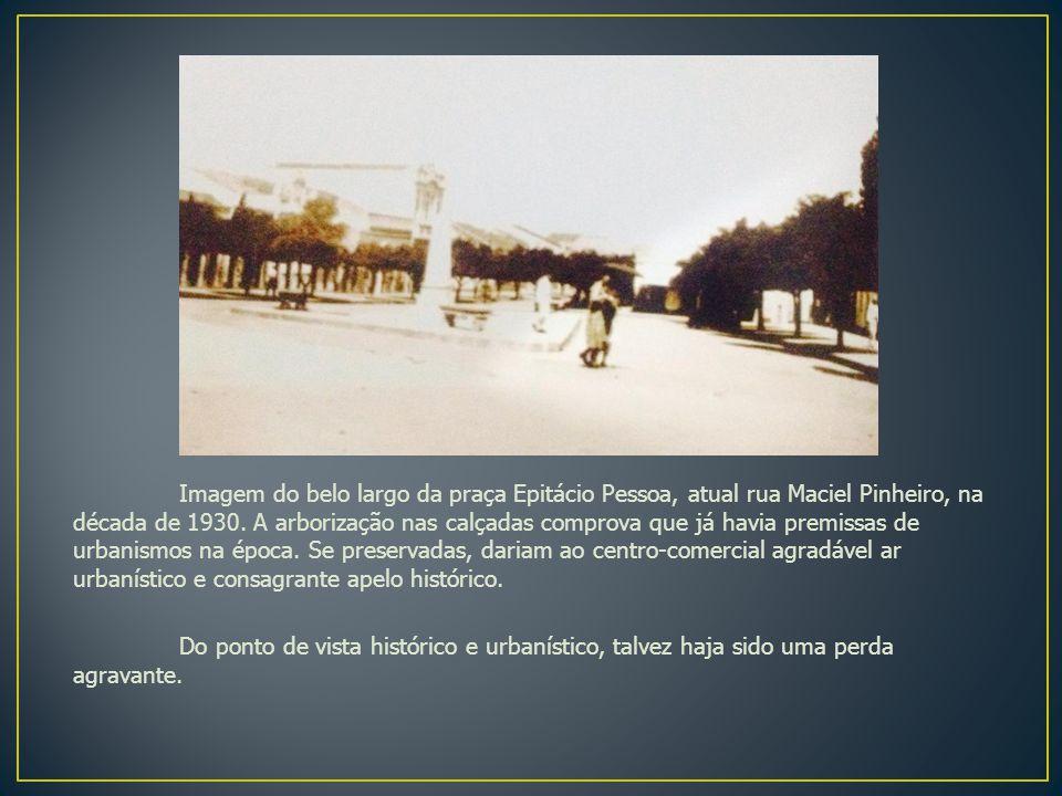 Imagem da rua Grande na década de 1920, atual rua Maciel Pinheiro.
