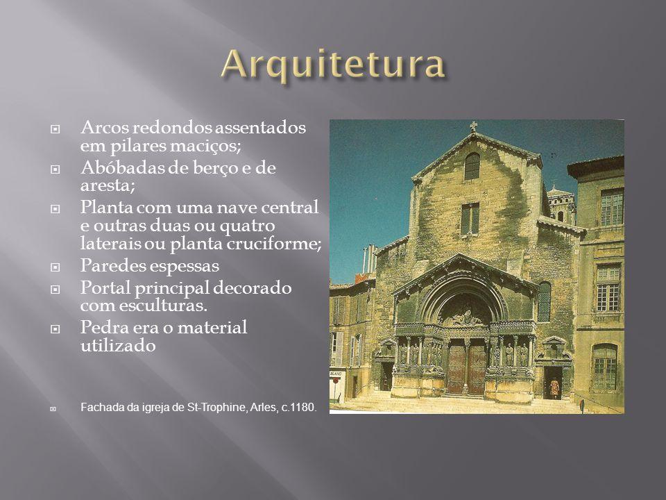 Arcos redondos assentados em pilares maciços; Abóbadas de berço e de aresta; Planta com uma nave central e outras duas ou quatro laterais ou planta cr