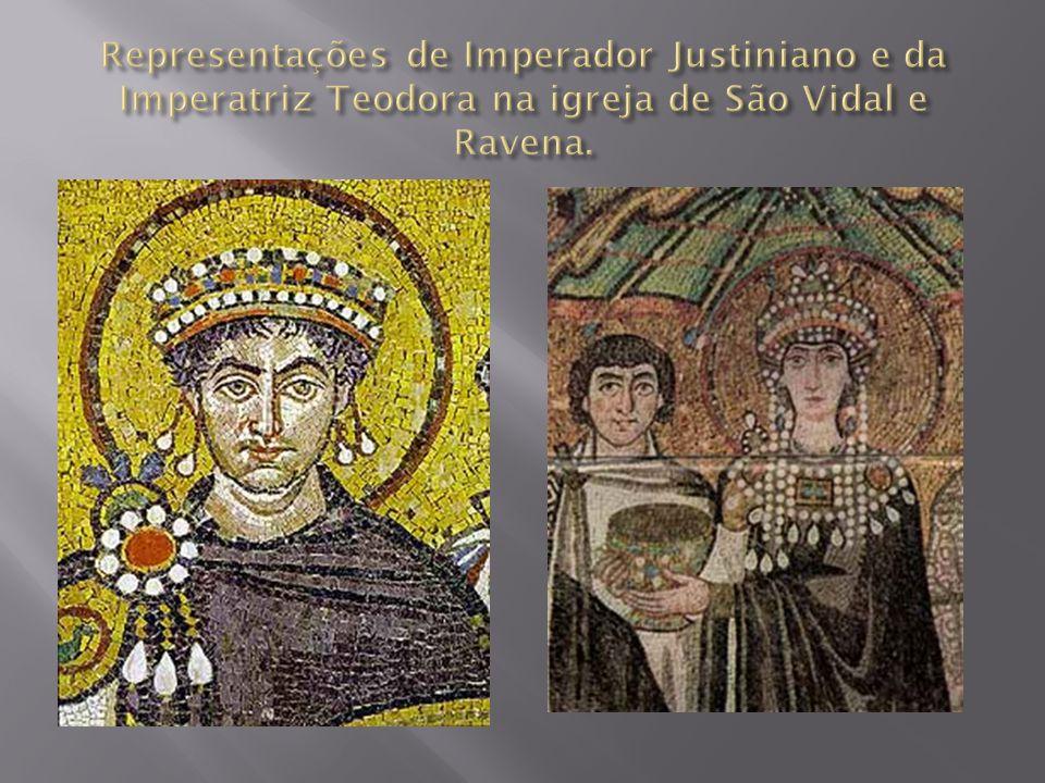 Arte que surge na segunda metade do século XII no norte da França; Descoberta do método de abobadar com arcos ogivais apoiados apenas nos pilares.