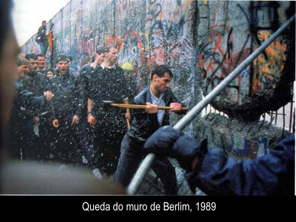 Queda do muro de Berlim, 1989