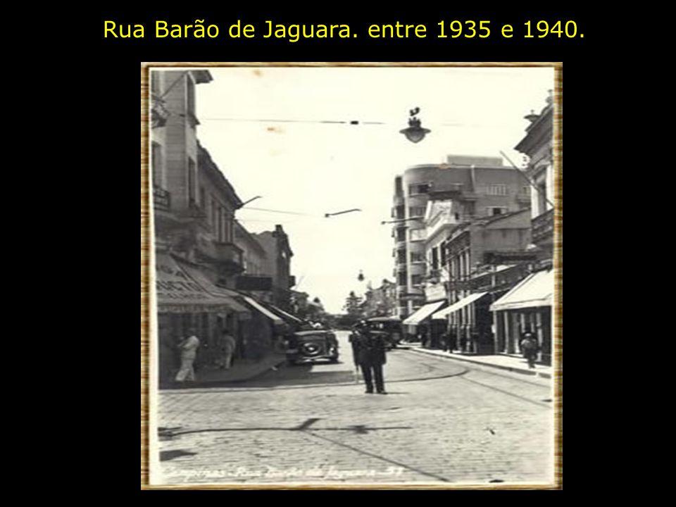 Vista Parcial. 1946. Em primeiro plano vê-se o Largo da Catedral e em segundo plano a Rua Conceição.