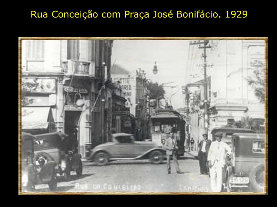 Mercado Municipal. 1908. No início era a antiga estação de trem da extinta Companhia Funilense, que ia até Barão Geraldo.