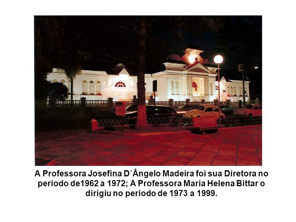 De 1949 a 1950, foi Diretora do Bueno Brandão, a Professora Elisa Lemos Ortiz; de 1950 a 1962, foi sua Diretora, a Professora Maria Augusta Pereira Ab