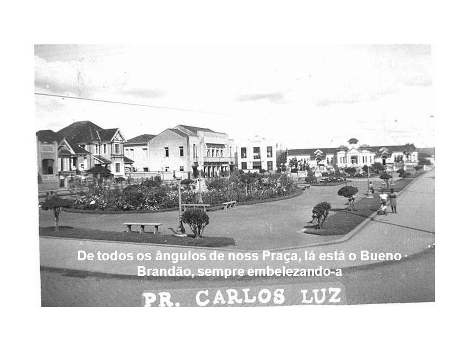 A Escola Estadual Bueno Brandão passou por diversas reformas nestes quase 100 anos de sua existência.