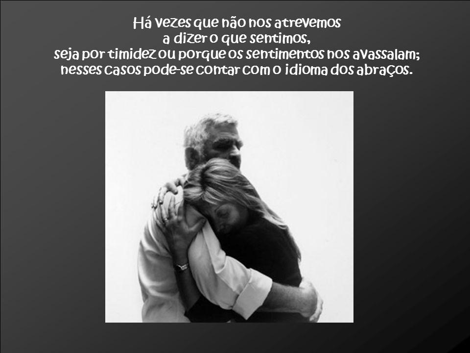 O ABRAÇO SALVADOR Esta é uma fotografia de um artigo das «Selecções», que se chama O abraço salvador e relata um episódio da vida de duas gémeas, cujos primeiros dias foram passados em suas respectivas incubadoras, sendo que para uma delas não havia esperança de que sobrevivesse.