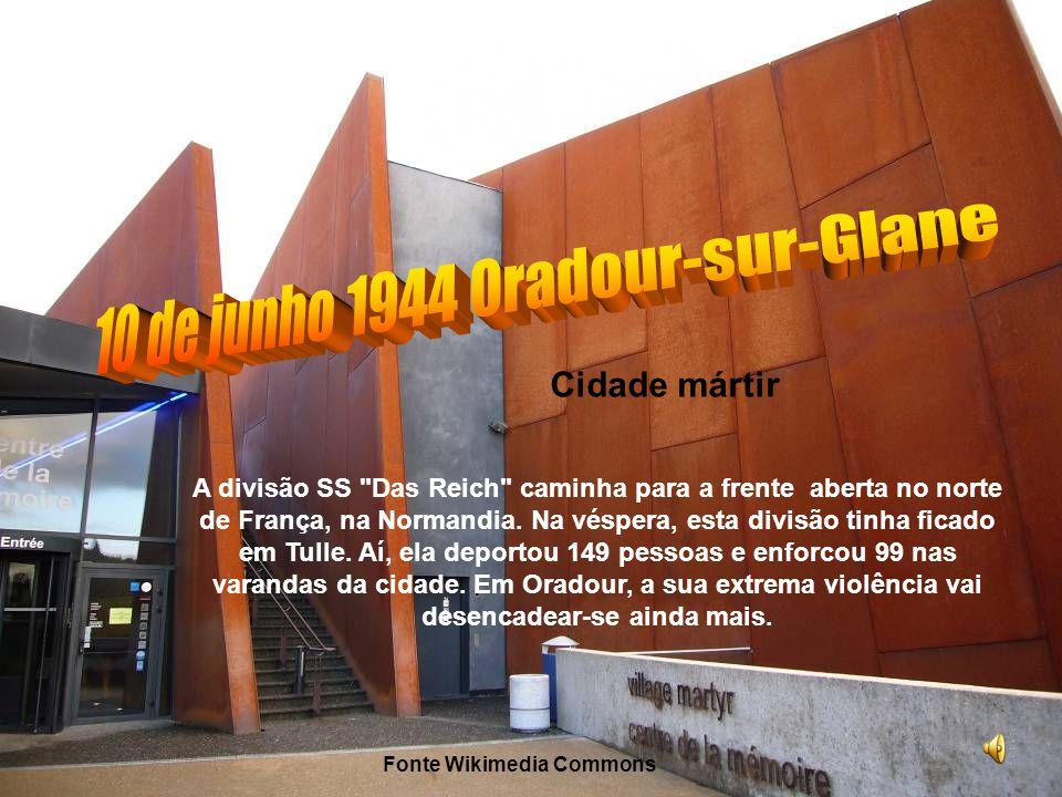 Massacre das mulheres e crianças O grupo fechado na igreja consta de todas as mulheres e crianças da aldeia.