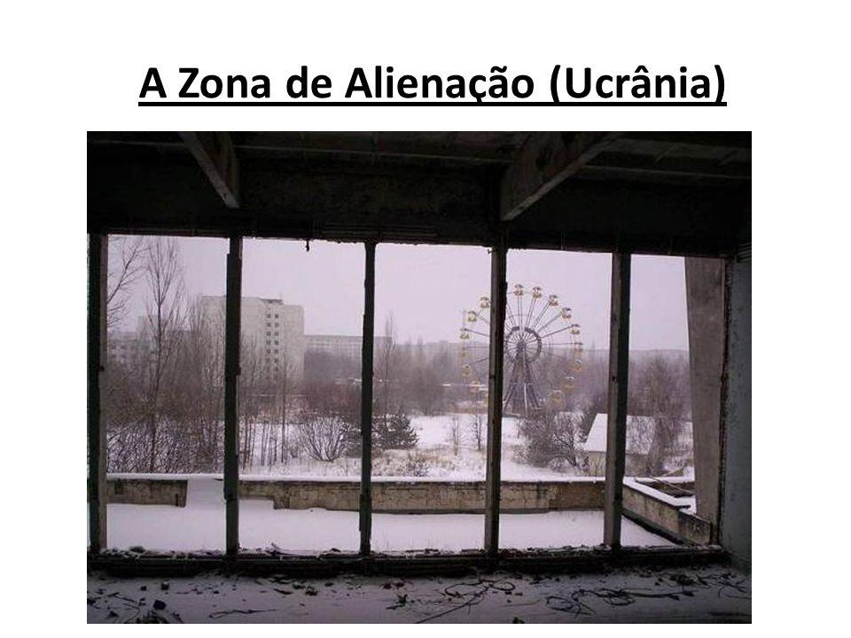 Com cerca de 30km a zona de exclusão fica em torno da usina nuclear de Chernobyl onde ocorreu o desastre.